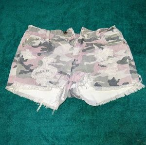 Tractr Pink Camo Shorts Size: 12